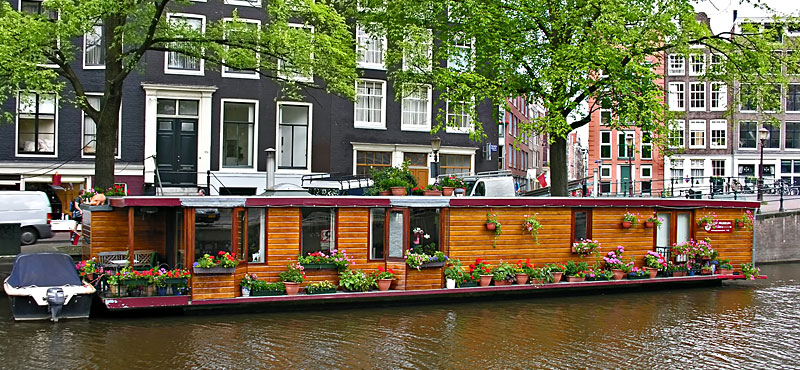 Houseboat le case galleggianti amsterdam for Case amsterdam economiche